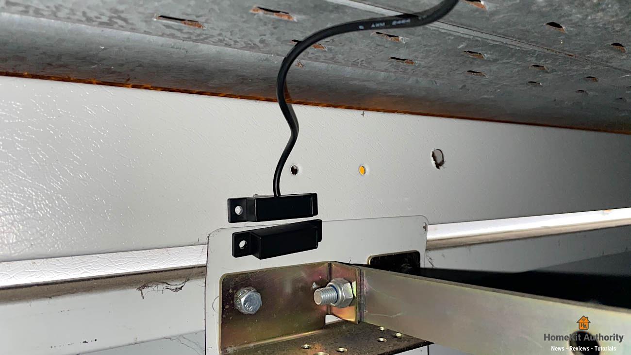 Meross Garage door opener sensor installed on door